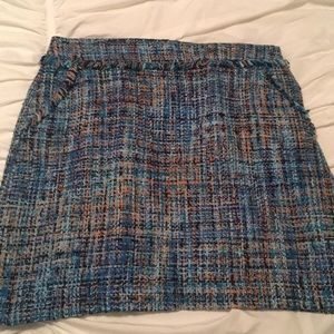 LOFT tweed skirt | size 6 | clean + gently used